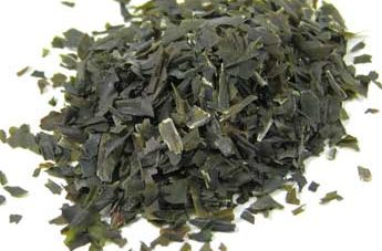Dried wakame flakes
